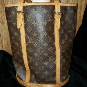 Tall Louis Vuitton Shoulder bag